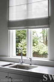 New Screen Roman Blinds kitchen Thoughts Roman blinds are a popular favourite among conscious homeowners as they feature a classy, stylish and affordable solutio White Roman Blinds, Sheer Blinds, Curtains With Blinds, Farmhouse Window Treatments, Kitchen Window Treatments, Living Room Blinds, Interior Windows, Blinds For Windows, Home Renovation