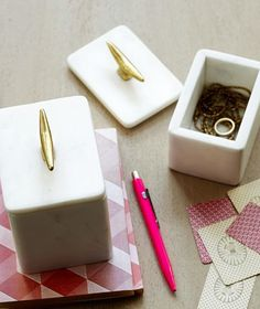 cute marble storage boxes http://rstyle.me/n/nb5fdr9te