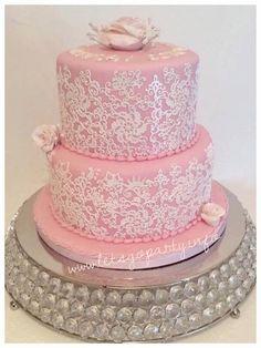 Cake lace birthday cakd Bolo Laura, Sugar Lace, Weeding, Pink Lace, How To Make Cake, Wedding Inspiration, Birthday Cake, Cakes, Baking
