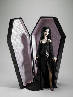 FAO Schwarz Wilde Imagination's Evangeline Ghastly with Coffin Display