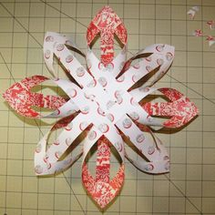 Make this quick and easy Finnish Star paper craft for the holidays