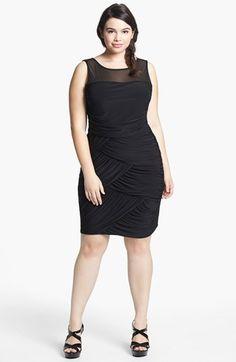 Flattering little black dress!