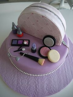 Vanity case cake - This is a vanity case cake for a beautiful 10 year old girl.