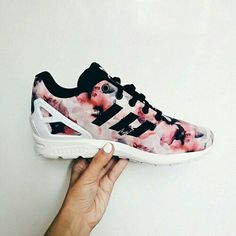 hot sale online 7e41c 13194 floral adidas shoes shared by Existenti△l Com△