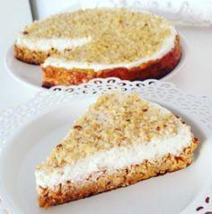 Fitness mrkvovo-banánový koláček | Věříme ve fitness Healthy Cake, Healthy Desserts, Healthy Cooking, Sweet Desserts, Sweet Recipes, Low Carb Recipes, Cooking Recipes, Vegan Dishes, Food Inspiration