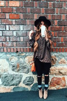 40 Modern Bohemian Winter Outfits To Look Hot