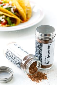 Homemade Taco Seasoning (and FREE printable spice jar labels, perfect for gifting!)