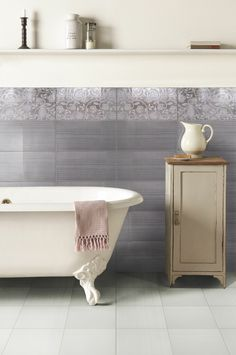 Allegra Grigio + central wall decor Fantasia by Keramika Kanjiza