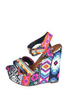 Steve Madden Winonna Etnik Desenli Dolgu Topuklu Sandalet Ayakkabı Modelleri
