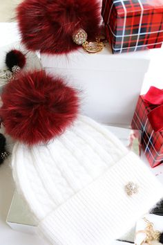 Beanie, Cashmere Wool Knit Blend Beanie Hat with Detachable Genuine Raccoon Fur Pom-Pom Winter White Beanie and Red Fur, NEW!