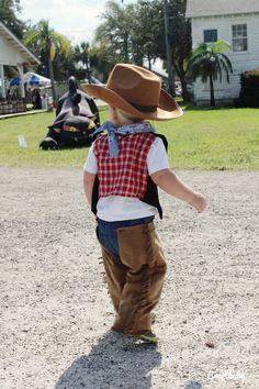 {Halloween} DIY Cowboy Costume for Toddlers