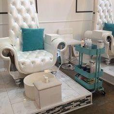 Nail Bar & Beauty Lounge - Beverly Hills - Beverly Hills, CA Luxury Nail Salon, Nail Salon Design, Luxury Nails, Nail Saloon, Pedicure Station, Spa Pedicure Chairs, Beauty Lounge, Beauty Spa, Nail Bar
