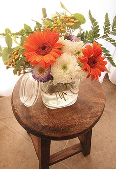 Mason Jar Bouquet With A Lidded Mason Jar!