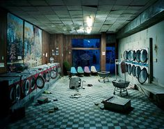 Laudromat at Night micro apocalyptic scenes created by photographer Lori Nix  http://www.dazeddigital.com/artsandculture/article/21008/1/welcome-to-the-dolls-house-for-fatalists