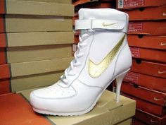 Tênis de Salto Alto Nike