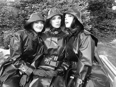 What a trio. Raincoat Jacket, Pvc Raincoat, Black White Photos, Black And White, Black Mac, Rain Cape, Rubber Raincoats, Rain Gear, Lesbian