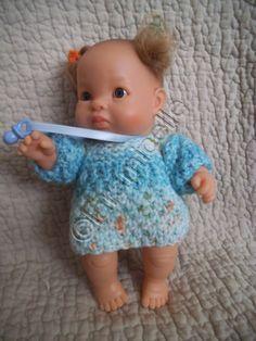 tuto tricot gratuit paola reina: robe douillette pour bébé - laramicelle - poupon 20cm