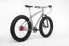 Budnitz Bicycles FTB Titanium with Red Rohloff, Gates Carbon Belt Drive and White Brothers Carbon Snowpack fork