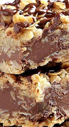 no bake desserts: No Bake Chocolate Oatmeal Bars No Bake Treats, No Bake Desserts, Just Desserts, Delicious Desserts, Dessert Recipes, Yummy Food, Bar Recipes, Dinner Recipes, Cookie Desserts