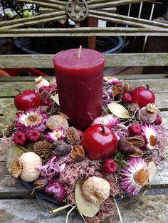Türkränze -  Kranz ♥ lila ♥ wunderschön ♥ mit Kerze - ein Designerstück von blumen-atelier bei DaWanda