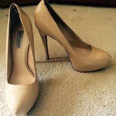 "Steve Madden nude platform heels Nude patent Steve Madden Yasmin platform 4"" heels size 10. 1-2 minor signs of wear. Excellent condition. Steve Madden Shoes Heels"