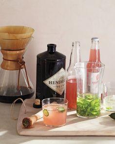 Cucumber-infused gin & grapefruit fizz