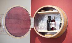 Mueble bar original hecho en Bricomanía con barricas usadas