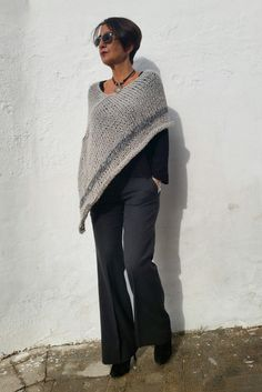 Poncho gris de lana chal de lana poncho gris claro por EstherTg