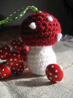 Crocheted Toadstool Mushroom - FREE Crochet Pattern and Tutorial by Orange Flower