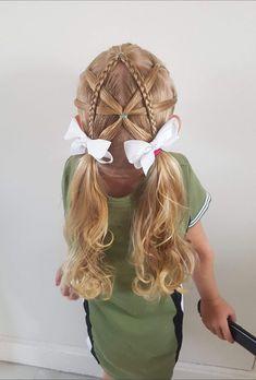 Elastics into piggies - Kinderfrisuren Girls Hairdos, Cute Girls Hairstyles, Diy Hairstyles, Teenage Hairstyles, Girl Haircuts, Super Cute Hairstyles, Toddler Hairstyles, Braided Hairstyles For School, Girl Short Hair