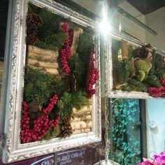 Entrez dans notre univers! :) ☆  #florist #fleuriste #flowerstagram #flowers #fleurs #flowershop #boutique #inspiration #team #equipe #winter #hiver #magic #magie #paris #decor  #arrangement #decoration #design #inspiration  #christmas #diy #create #outdoor #indoor #happy #awesome #luxe #glamour #reflect #gold   | www.unpeu-beaucoup.com |