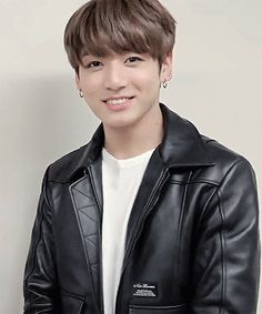 bts reactions/preferences ♛ - They see how you look after a child ♛ Foto Jungkook, Bts Bangtan Boy, Bts Suga, Jungkook Smile, Jung Kook, Wattpad, Kpop, Playboy, Fanfiction
