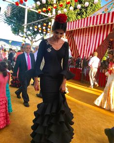 ❤ If you loved it , Double Tap and Tag a Friend! Folk Fashion, Fashion 101, Flamenco Costume, Flamenco Dresses, Tie Styles, Folk Costume, Traditional Outfits, Passion For Fashion, Outfit Of The Day