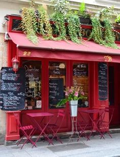 Paris is probably the most popular city in the world and people go here for more vacations mostly to enjoy its culture, history and architecture. Paris is Cafe Bar, Cafe Bistro, Cafe Shop, Coffee Shop Design, Cafe Design, Store Design, Interior Design, Design Design, Restaurant Paris