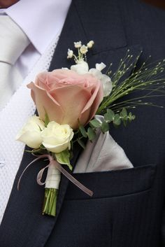 Bride Groom Boutonniere Source by Groomsmen Boutonniere, Corsage And Boutonniere, Groom And Groomsmen, Wedding Boutonniere, Groom Suits, Groom Attire, Bride Groom, Rose Wedding, Dream Wedding