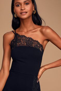The future looks good in the Free People Premonitions Black Lace One-Shoulder Bodycon Slip Dress! Lace-trimmed bodycon dress with a one-shoulder neckline. Phoebe Cates Fast Times, Casual Dresses For Teens, Summer Dresses, Free People Dress, One Shoulder, Mini Skirts, Bodycon Dress, Dress Lace, Stylish