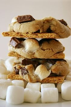 I think just the smores part looks fabulous. :D graham cracker s'mores cookies Just Desserts, Delicious Desserts, Yummy Food, Yummy Treats, Sweet Treats, Cookie Recipes, Dessert Recipes, Smores Cookies, Cracker Cookies