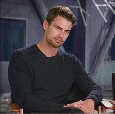 Theo James as Four Divergent Theo James, Divergent Trilogy, Hunger Games, Theodore James, James Thomas, Thomas Brodie, Estilo Hip Hop, Film Trilogies, Good Looking Actors