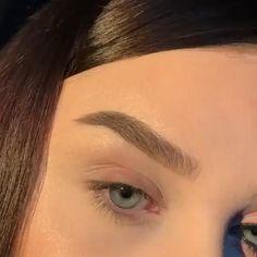Bright Eye Makeup, Makeup Eye Looks, Eye Makeup Art, Beauty Makeup Tips, Eyebrow Makeup, Beauty Hacks, Glam Makeup, Makeup Eyes, Simple Makeup