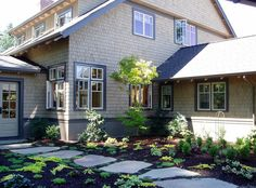 10 Useful Tips for Choosing the Right Exterior Window Style - http://freshome.com/2013/10/15/10-useful-tips-for-choosing-the-right-exterior-window-style/
