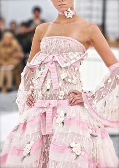 Chanel, Karl Lagerfeld, chiffon et ribbons
