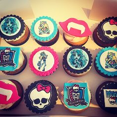 Monster High Cupcake Set! Happy Birthday!! Today we're serving 24 carrot, raspberry bliss, vanilla chocolate, canadian maple, cookies & cream, chocolate, red velvet and vanilla bean! Open til 730 or until sold out!  #cupcake #cupcakes #monsterhigh #nutfree #freshlybaked #foodie #foodart #foodporn #delicious #instagood #instayummy #hbd #meadowvale #mississauga #oakville #milton #brampton #etobicoke #toronto #gta #905 #416 #dolledupcupcakes