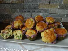 I mini muffin salati gustosi bocconcini, belli da vedere e saporiti da mangiare sono uno stuzzichino sfizioso da servire per l'aperitivo o come antipasto!