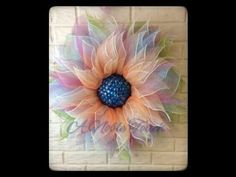 Ideas for diy paper wreath tutorial deco mesh Wreath Crafts, Diy Wreath, Wreath Making, Mesh Wreath Tutorial, Flower Tutorial, Poinsettia Wreath, Sunflower Wreaths, Trendy Tree, Deco Mesh Wreaths