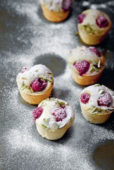 Recipe Raspberry Pistachio mini almond cakes - Claire Ptak blends savory and sweet in new cookbook (baking recipes cupcakes cookies) Violet Bakery, Baking Recipes, Dessert Recipes, Cake Recipes, Delicious Desserts, Yummy Food, Gourmet Desserts, Plated Desserts, Almond Cakes