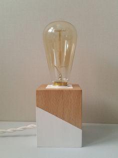 Lampara madera de haya por TESLAMPSHOP en Etsy Wood Desk Lamp, Wood Lamps, Lamp, Diy Lamp, Wood Resin, Wooden Lamp, Metal Lamp Design, Metal Lamp, Industrial Bedside Lamps