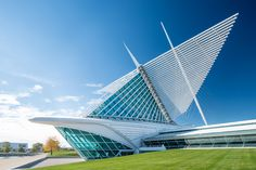 Santiago Calatrava - Milwaukee Art Museum - Milwaukee Wisconsin - 1994-2001
