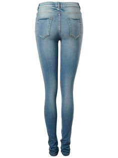 Selected Femme - Slim fit - Baumwoll-Stretchqualität - Reiß- und Knopfverschluss - Zier-Vordertaschen - Elastischer Bund an der Rückseite - Gürtelschlaufen - Gerippt und mit Bleich-Effekt Diese raue Ripp-Jeans verleiht deiner Garderobe einen coolen, schicken Touch im Biker-Stil. Trage dazu ein Seiden-Oberteil und vervollständige den Look mit einer Lederjacke. 63% Baumwolle, 29% Modal, 6% Polyes...