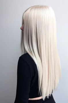 Most of us at some point wonder what we will feel like blond hair with sports hair. Whether it's to tidy blond hair with some highlights or 'go blonde' by whitening your brunette lock, there are so many different colors… Continue Reading → Platinum Blonde Hair Color, White Blonde Hair, Blonde Hair Shades, Blonde Hair Looks, Silver Blonde, Blonde Color, Silver Hair, Long White Hair, Pale Skin Blonde Hair