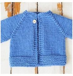 Baby Cardigan Knitting Pattern Free, Baby Sweater Patterns, Knitted Baby Cardigan, Knit Baby Sweaters, Knitted Baby Clothes, Baby Patterns, Sewing Patterns, Baby Knitting Patterns Free Newborn, Baby Boy Cardigan